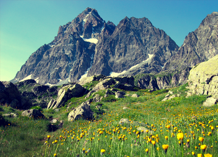 Hike and Picnic in the Italian Alps